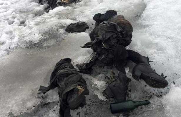 Encuentran a pareja congelada en un glaciar suizo
