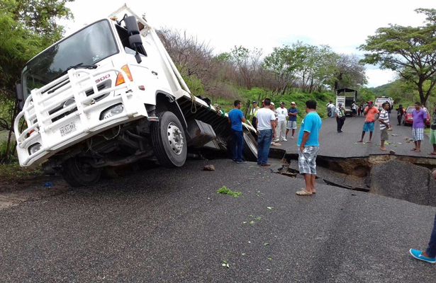 Otro socavón, ahora en Oaxaca
