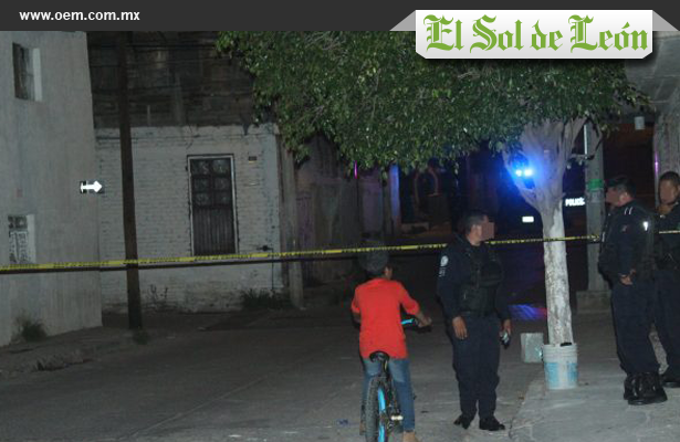 Acribillan a tres sujetos en León, Guanajuato