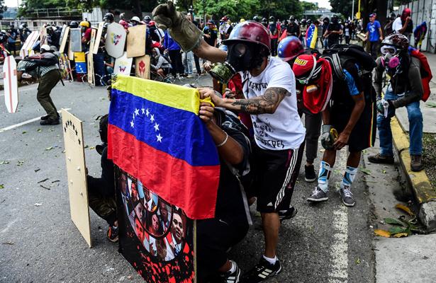 Venezuela estaría en la ruta de una guerra civil: analista de Crisis Group