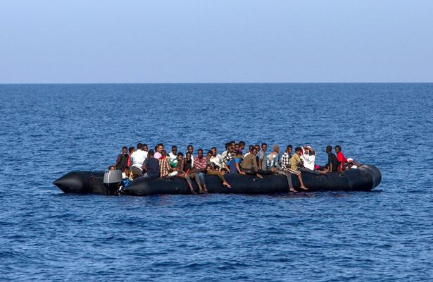 Grecia rescata 128 refugiados en el Mar Egeo