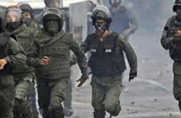 Fuerzas del orden impiden con gases marcha contra la constituyente en Caracas