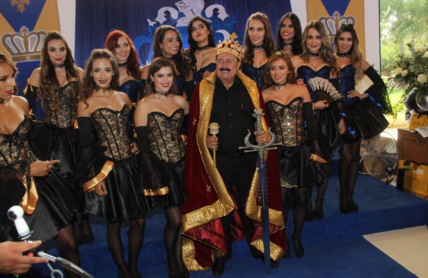 Morenita celebra su cumpleaños como todo un monarca