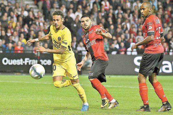 Neymar marca y lidera la victoria del PSG