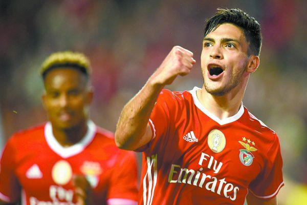 Jiménez da la Supercopa a Benfica