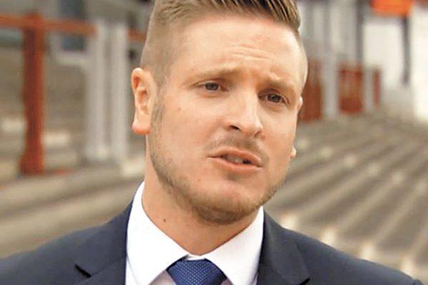 Sale del clóset el primer árbitro gay de la liga inglesa