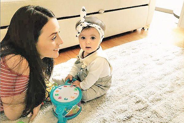 Zuria Vega presume a su hija Lúa