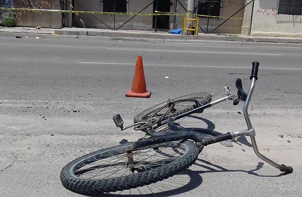 Muere al ser arrollado en su vehículo ecológico