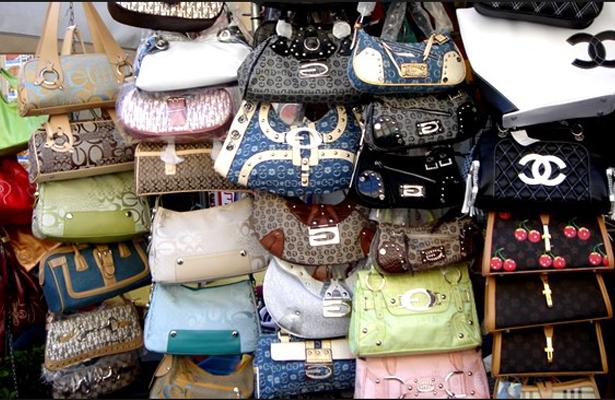 Aseguran más de tres mil objetos pirata en el Centro Histórico