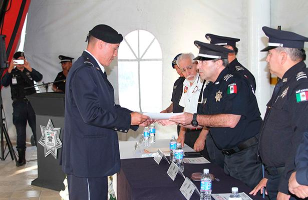Elementos de Operaciones Especiales de la Policía Federal reciben certificación como instructores de buceo