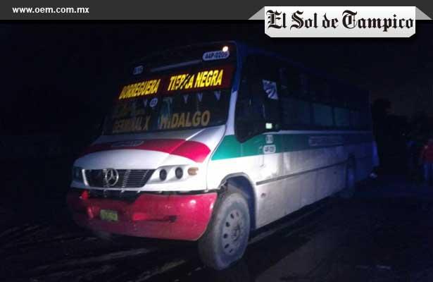 Autobús arrolló y aplastó a un viejito en Tierra Negra