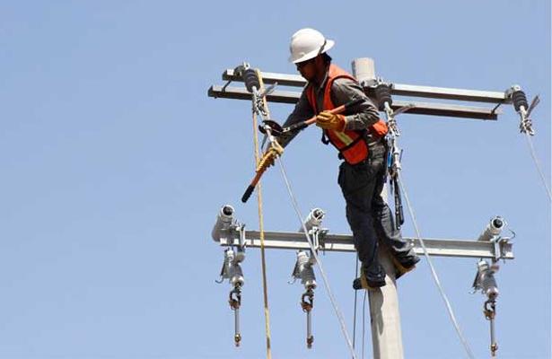 Restablece CFE suministro de energía eléctrica por efectos de 'Franklin'