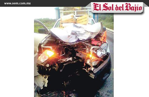 Camioneta comprime a motociclista en Guanajuato