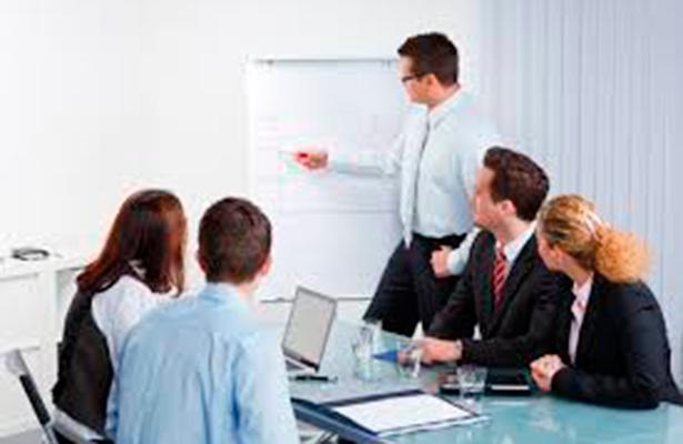 Consultorías deben reducir costos y atraer clientes.- Alonso Orozco