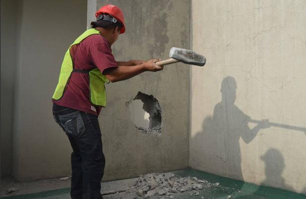 Con saldo blanco continúan demoliciones en CDMX