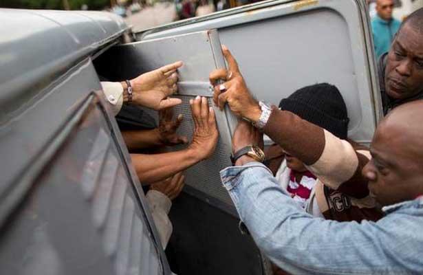 """Denuncian más de tres mil """"detenciones arbitrarias"""" en Cuba"""