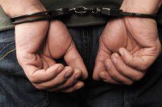 Detienen a un hombre por robo en Cine Tonalá