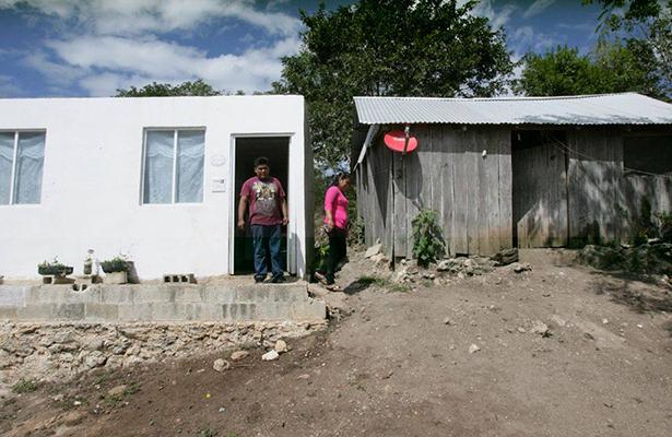 Reconocen trabajo de la FONHAPO por las familias más pobres