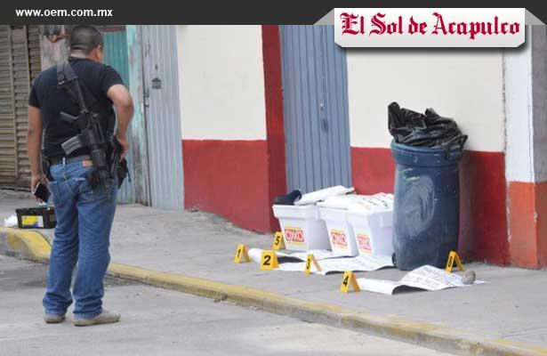 Abandonan hieleras con restos humanos afuera de una iglesia en Acapulco