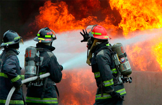 Muere al incendiarse su vivienda, lo sacaron bomberos, pero era tarde