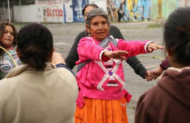 Familias indígenas realizan actividades recreativas en la CDMX