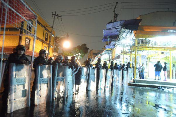 Desalojan puestos ambulantes del Centro Histórico