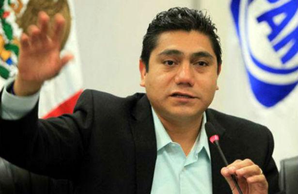 Armas y droga ingresan por Colima, nadie hace nada: Senador Jorge Luis Preciado