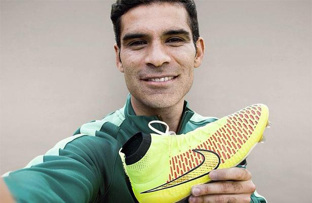 Nike abandonará a Rafa Márquez