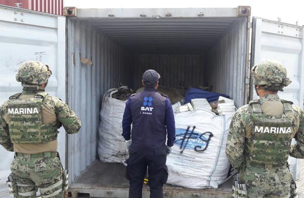 SEMAR asegura 95 paquetes de cocaína en Manzanillo