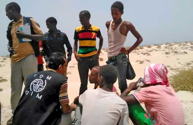 Lanzan al mar 180 inmigrantes, hay cinco muertos y 50 desaparecidos