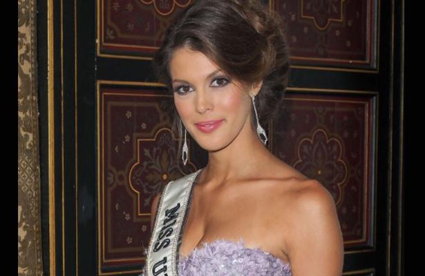 Miss Universo 2016 colabora como embajadora en apoyo a niños con labio y paladar hendido