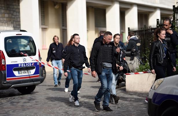 Autor del ataque contra militares en parís es detenido