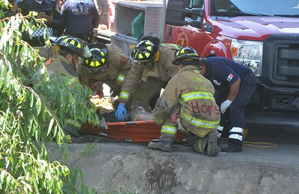 Rescatan cadáver de canal en la GAM