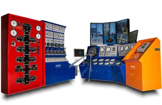 Inaugura UVM Villahermosa, simulador de perforación de petróleo