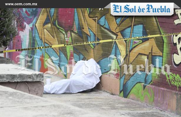 Fallecen dos personas en la vía pública