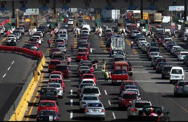 Accidente en la México-Querétaro causa caos vial