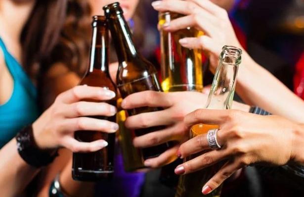 Sí, es verdad: despenalizan venta de alcohol a menores en Edomex