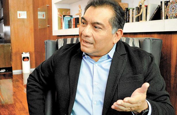 Convertir a México en un país bilingüe es el reto principal: Caballero Durán