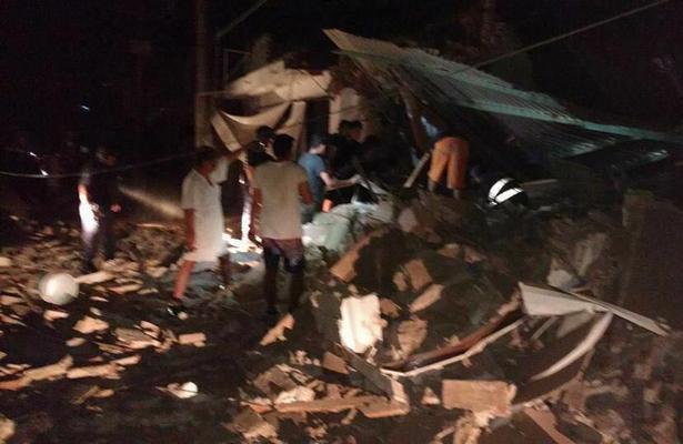 Impresionante derrumbe de un edificio en Juchitán