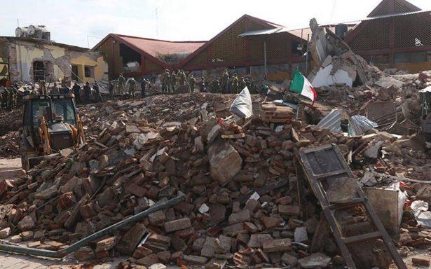 Aumentan a 90 los muertos por el sismo