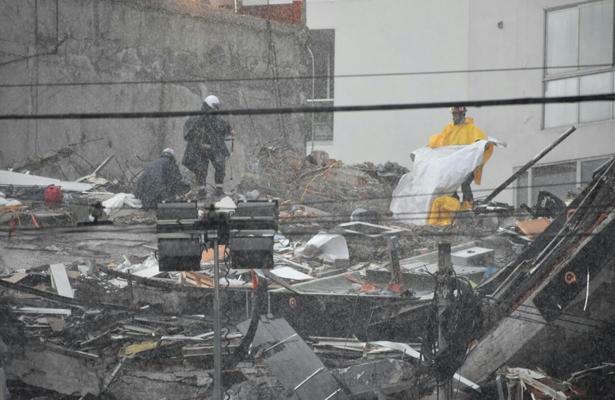 Van 40 cuerpos recuperados en Álvaro Obregón 286