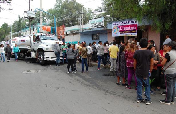 Servicio de agua en Iztapalapa va a tardar: Anguiano