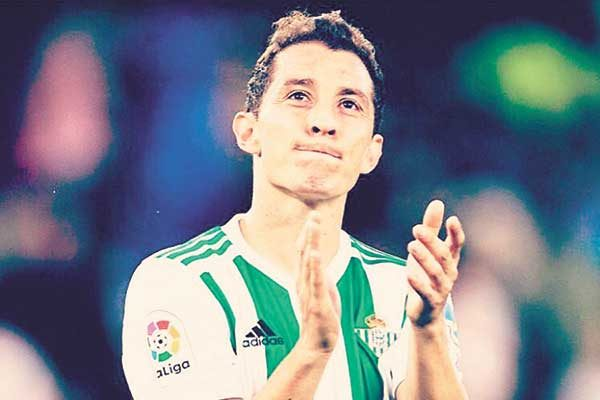 Andrés Guardado tentado por el Real Madrid
