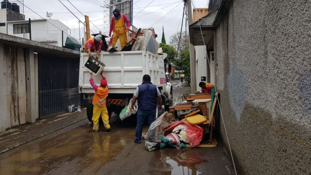 Gobierno CDMX continua trabajos de limpieza tras lluvias
