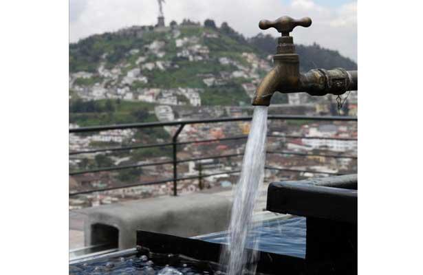 Reciben agua 153 colonias de Iztapalapa