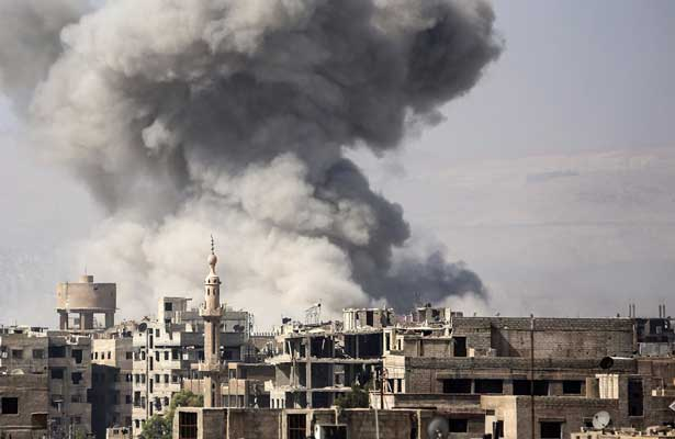 Al menos 27 muertos por la caída de cohetes y bombardeos en Deir al Zur