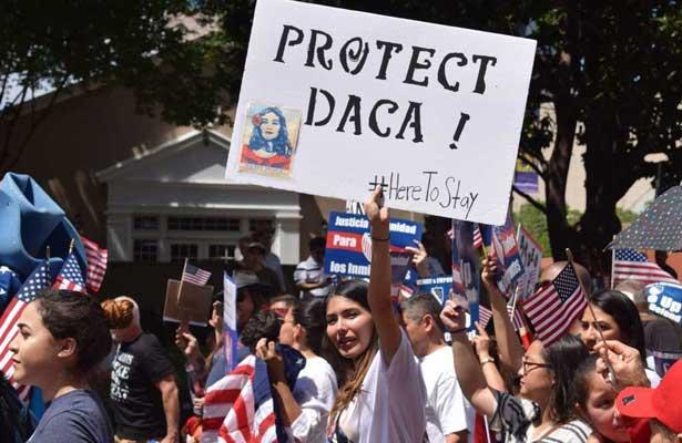 """Casi 50.000 """"soñadores"""" no han renovado DACA a dos días de fin de plazo"""