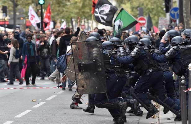 Los funcionarios tensan la lucha social contra la reformas de Macron