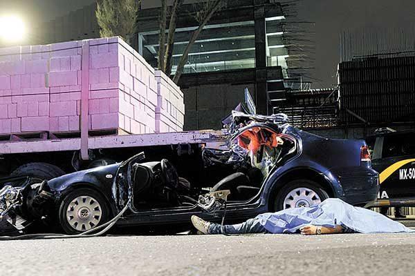 Mortal accidente en Periférico Oriente deja una persona muerta y otra gravemente herida