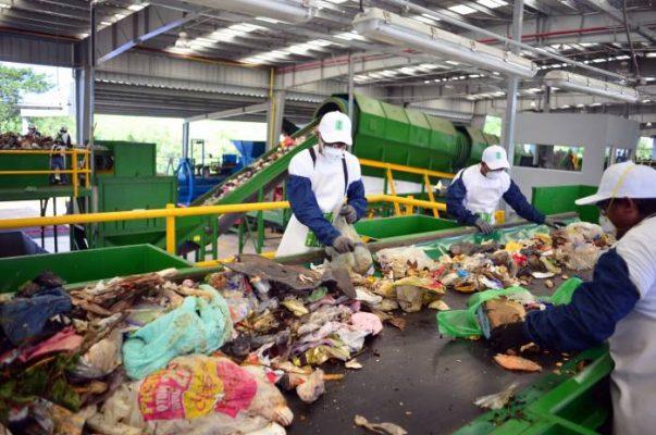 Vecinos logran suspensión de planta de residuos